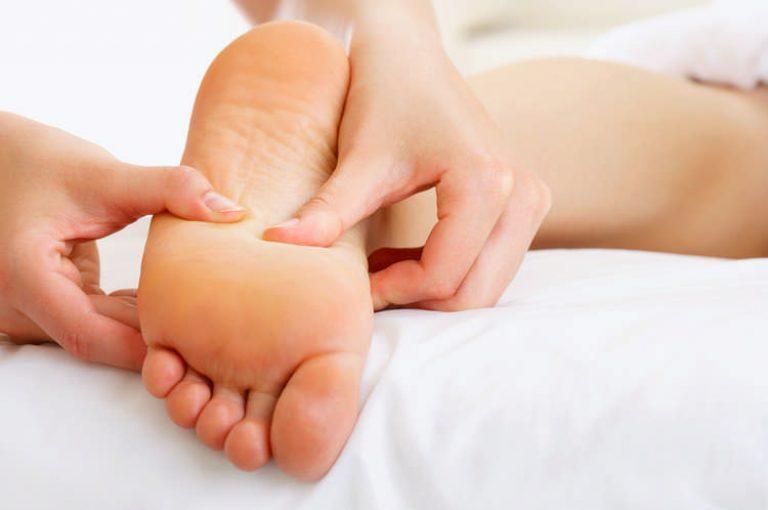 taškai ant kojų erekcijai
